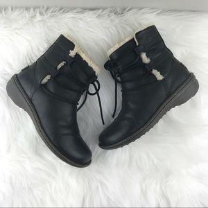 UGG Cove Boots ❤️Like New